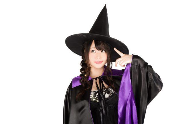 とんがり帽子の黒魔道士(美女) [モデル:茜さや]